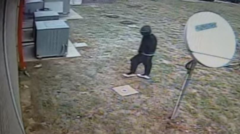 nicholasville+bank+robbery+suspect+web.jpg