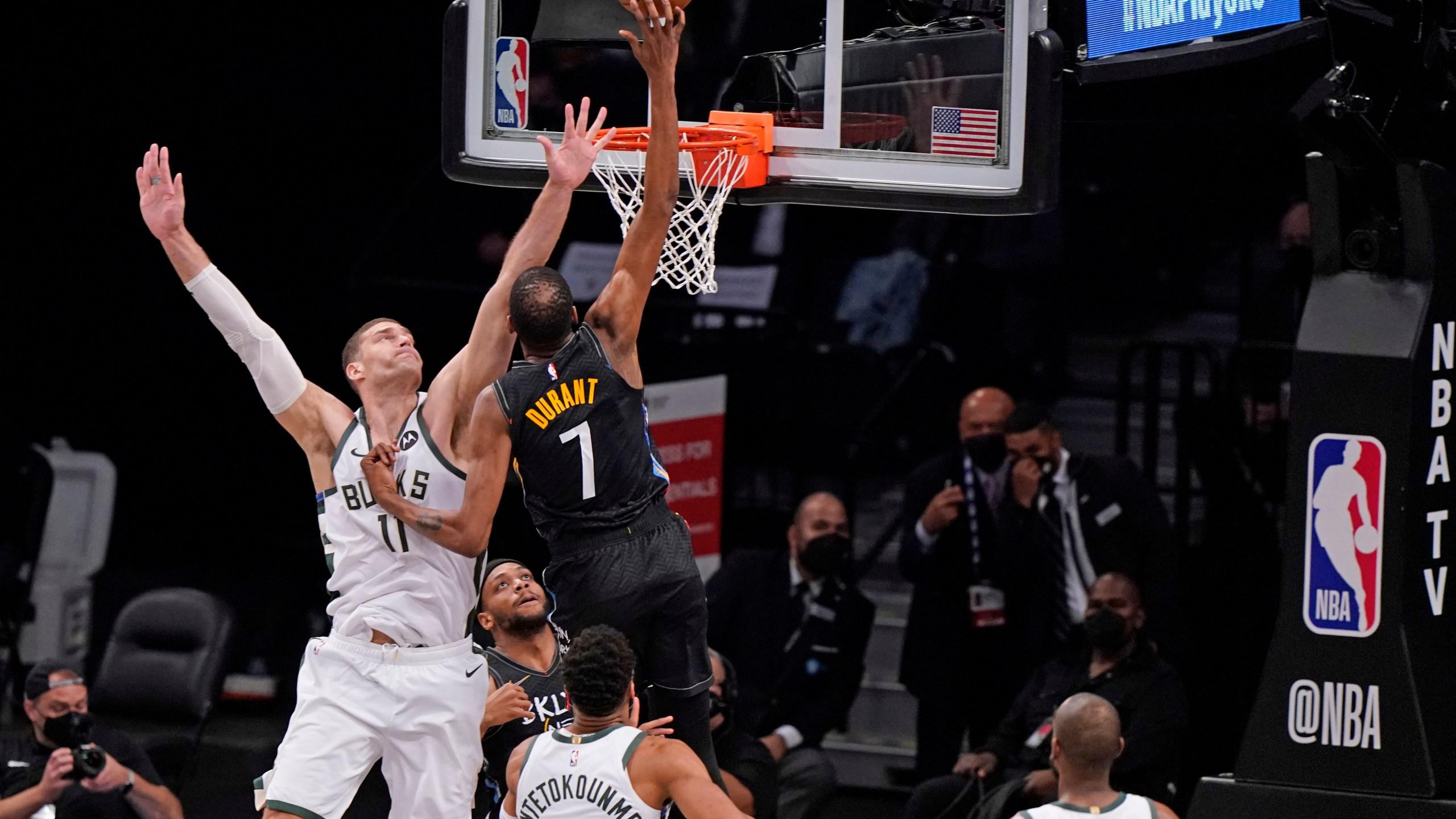 Brook Lopez, Kevin Durant